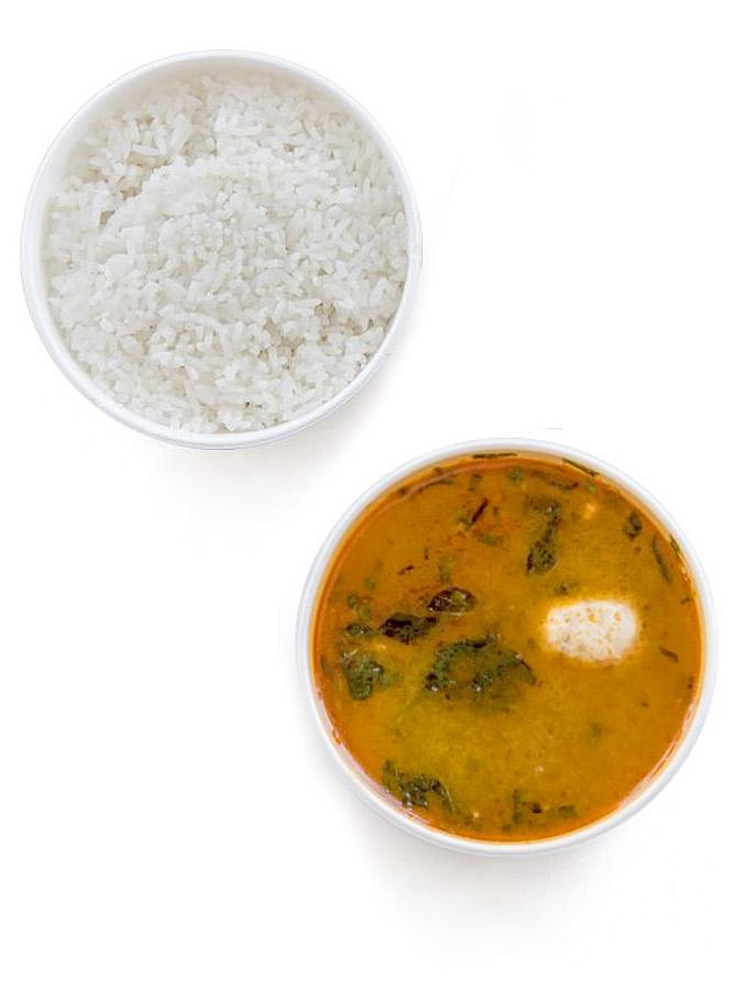 Tom-Kha-Gai-Suppe und Reis von Thang Long